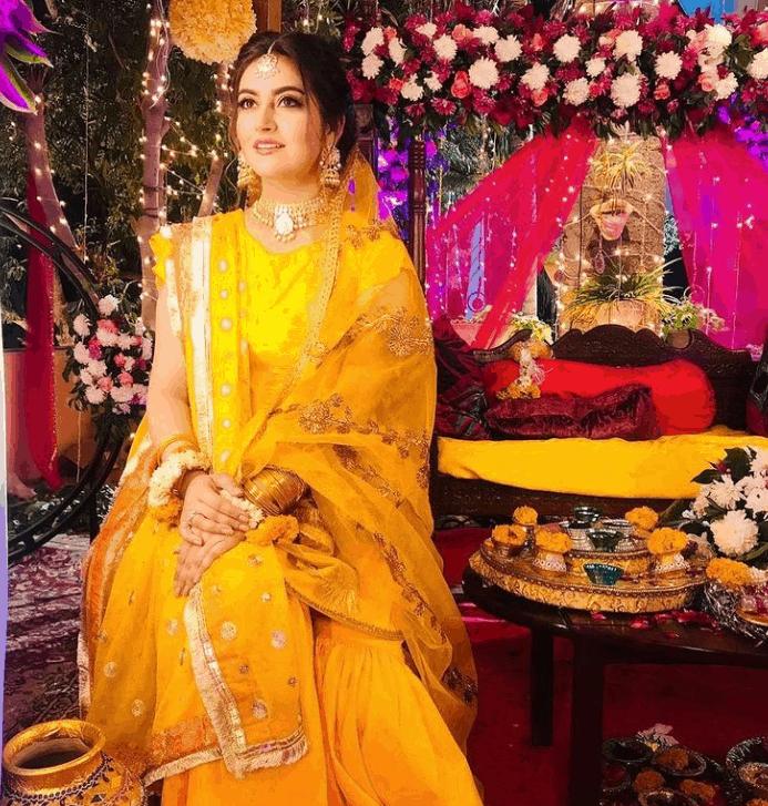 Hiba Bukhari Dresses in Fitoor
