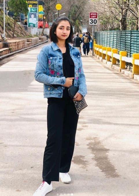 daniya kanwal biography pics