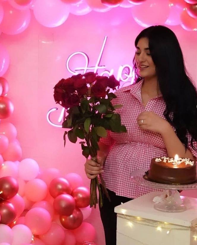 Sarah Khan Birthday Pics