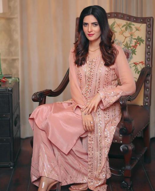 Rushna Khan Biography